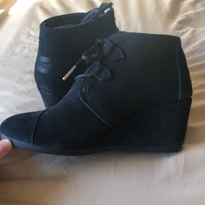 TOMS Black 2 inch booties